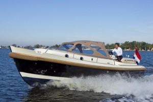 Intercruiser 27 Cabin Cruiser Interboat