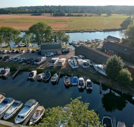 Thames moorings